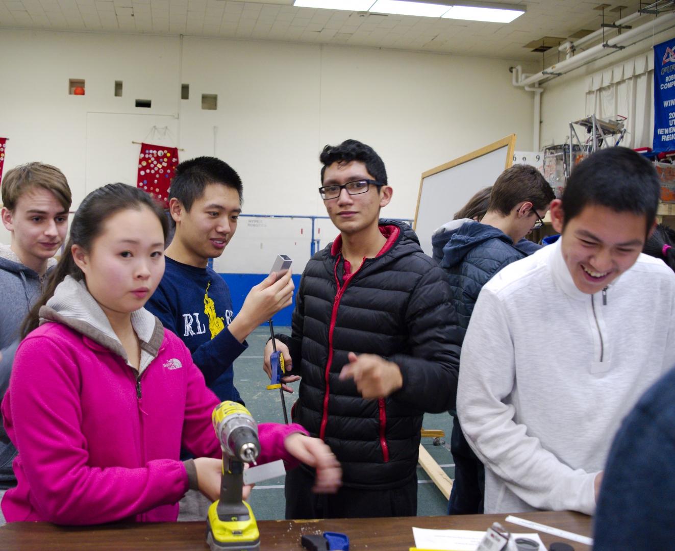 38.2016 HYPER Robotics Metal Workshop