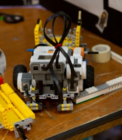 robotics_lego_league_2011_LOWRES-180