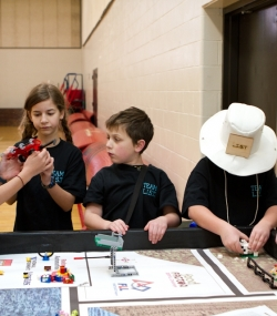 robotics_lego_league_2011_LOWRES-28