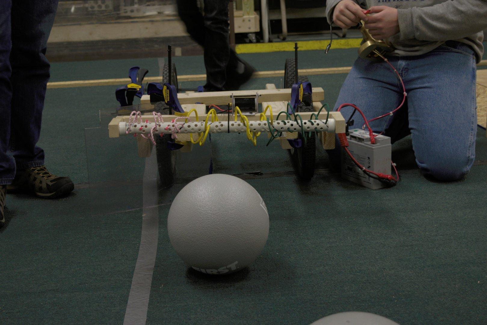 2016 HYPER Robotics Stronghold Built Seasons Raw 293.jpg